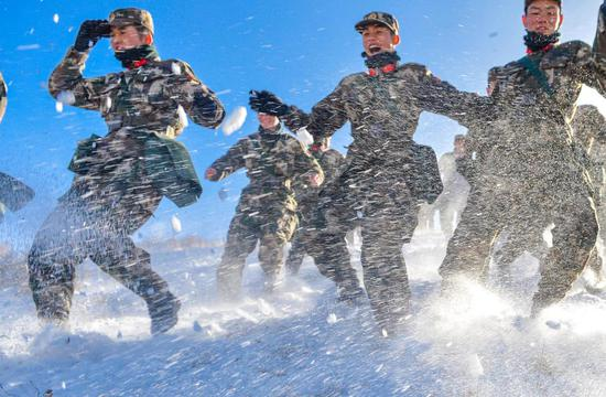 Post-2000 recruits train in frigid winter