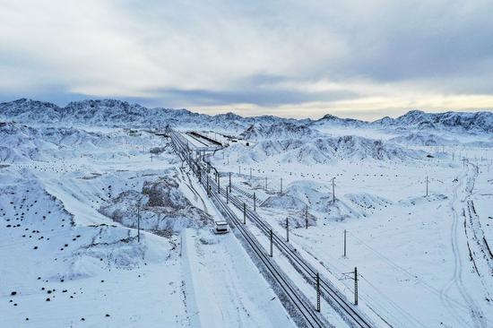 Journey into the west: China's western inland drives train tours