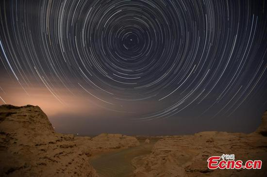 Spectacular starry night in Yuli, Xinjiang