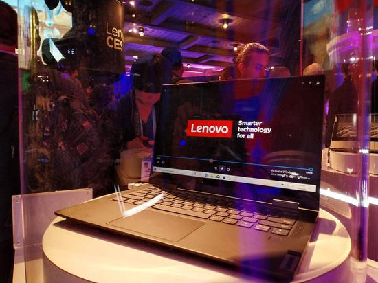 Photo taken on Jan. 8, 2020 shows Lenovo's 5G personal computer at the 2020 Consumer Electronics Show in Las Vegas, the United States. (Xinhua/Wu Xiaoling)