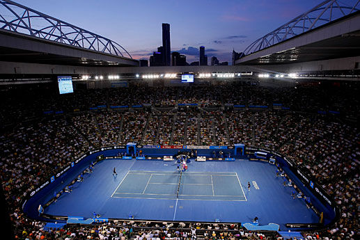 Hazardous bushfire smoke delays first day of Australian Open tennis qualifiers