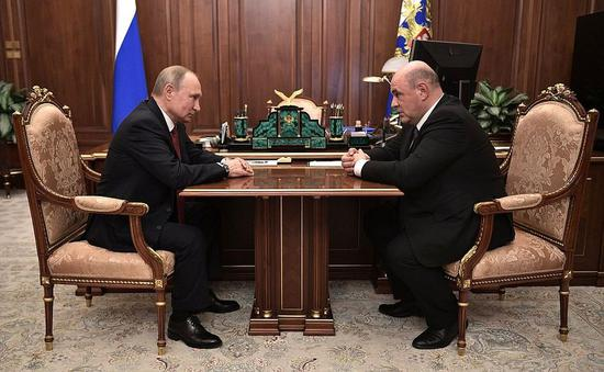 Russian President Vladimir Putin meets with Federal Tax Service chief Mikhail Mishustin in Moscow on Jan. 15, 2020. (Kremlin photo)
