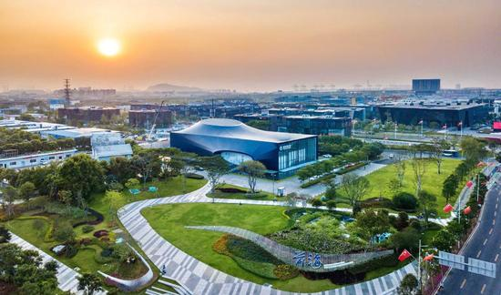 About 42,600 companies were added to China (Guangdong) Pilot Free Trade Zone from January to November in 2019. (Photo provided to China Daily)