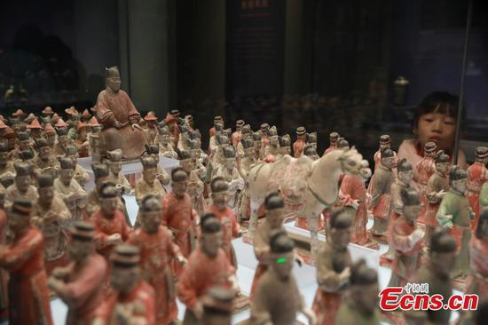 More than 300 pottery figurines from Ming Dynasty on display in Shaanxi