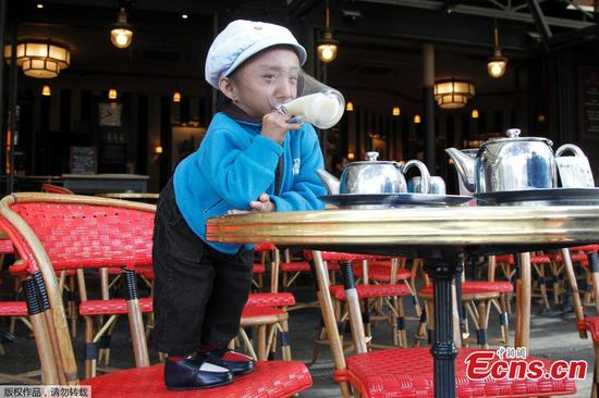 World's shortest man Khagendra Thapa Magar dies in Nepal