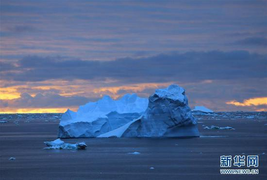In pics: icebergs in sea during China's 36th Antarctic expedition