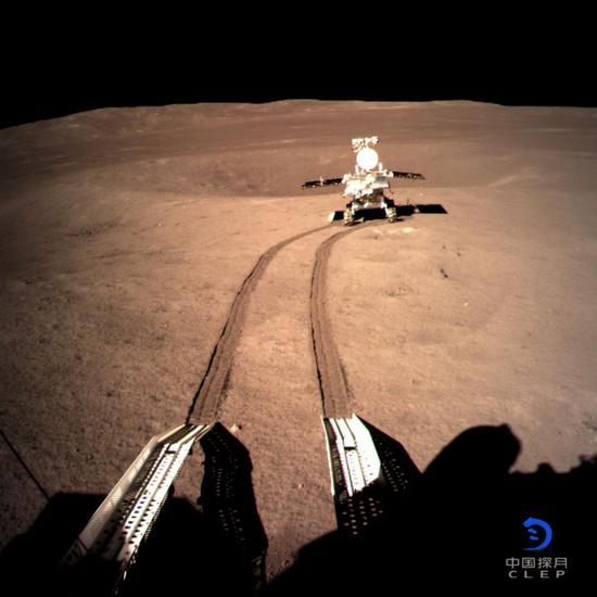 China's Chang'e-4 probe resumes work for 14th lunar day