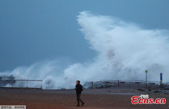 Storm Gloria wreaks havoc across Spain