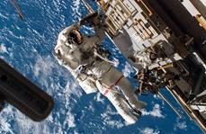 2 female NASA astronauts complete spacewalk to upgrade battery