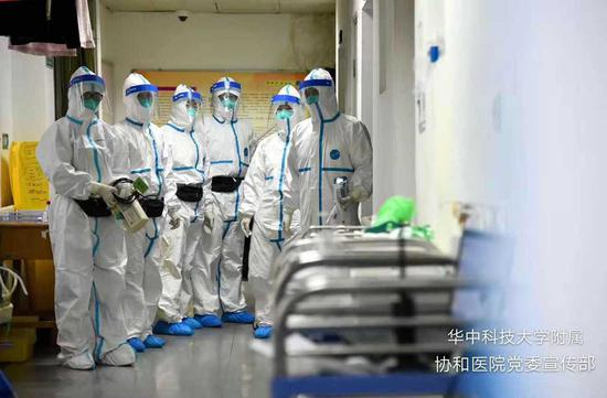 Images: Medics fighting virus in Wuhan