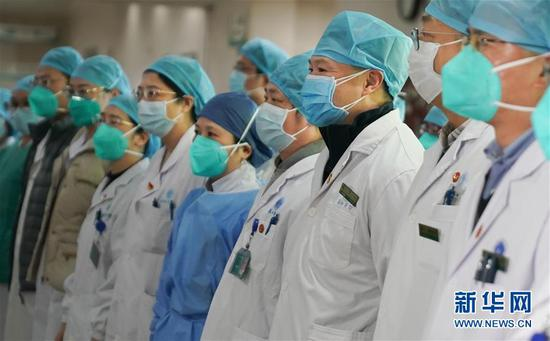 Chinese doctors wholly devoted in fighting coronavirus outbreak
