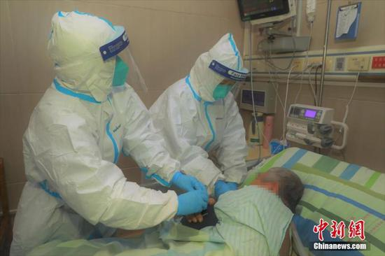 Medics fighting virus in Wuhan