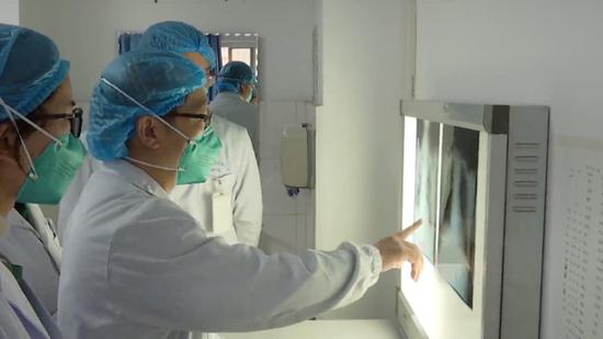 China reports 1,975 confirmed cases of new coronavirus pneumonia, 56 deaths