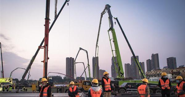 Construction of Huoshenshan Hospital underway in Wuhan
