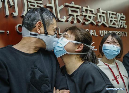 图片:在中国与新型冠状病毒作斗争