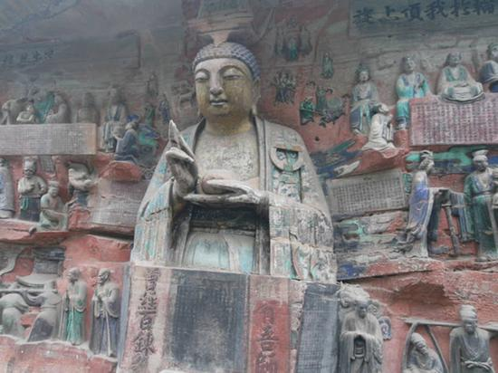 Over 900 ancient items discovered in China Buddhist temple site