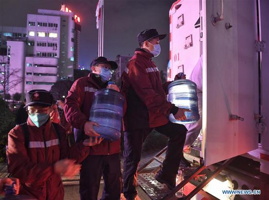 Medical team from Sichuan sets off to aid coronavirus control efforts in Wuhan