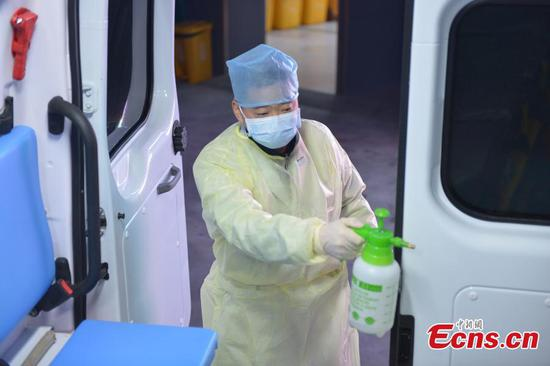 Ambulance driver in battle against coronavirus in Hangzhou