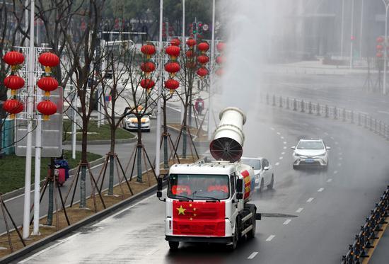武汉加强消毒措施以遏制病毒传播