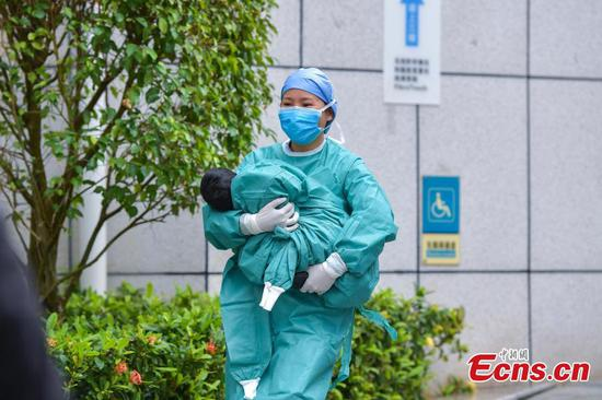 Baby girl infected with novel coronavirus cured in Haikou