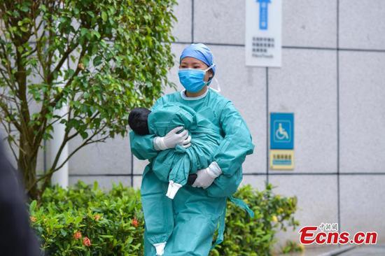 Baby girl infected with novel coronavirus cured in Haikou