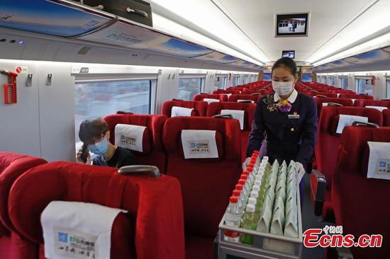 High-speed train staff stay on posts amid outbreak
