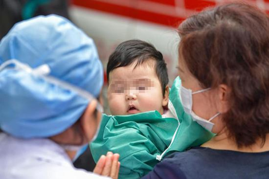 4-month-old coronavirus patient leaves Hainan hospital