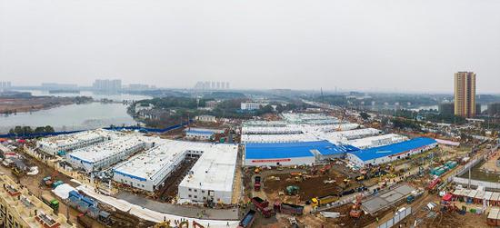 The Huoshenshan Hospital, specializing in novel coronavirus treatment, completes construction within merely 10 days in Wuhan on Feb 2. (Photo by Shi Yi/China Daily)