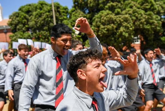 Kiwi students perform Maori dance 'Haka' to support China