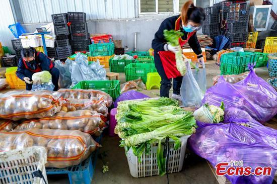 武汉抗击新型冠状病毒期间确保蔬菜供应