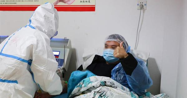 Recovered patients donate plasma in Chongqing