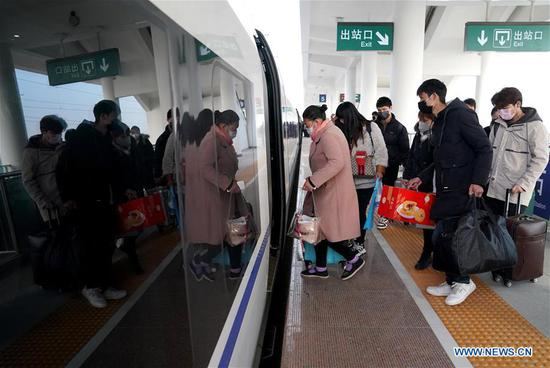 China's transport industry sees upbeat signs of work resumption: ministry