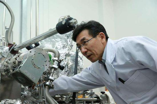 Chinese scientist wins int'l award for quantum discovery