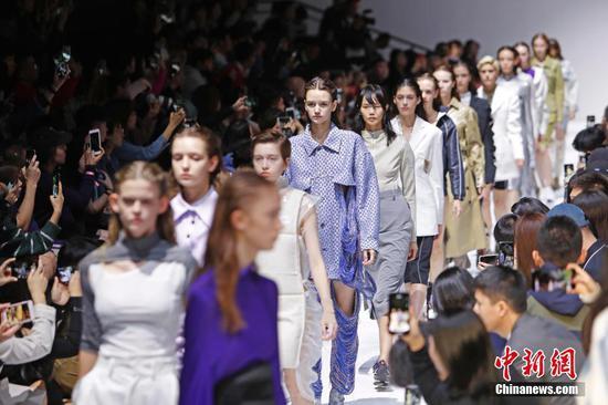 Shanghai Fashion Week moves online amid epidemic