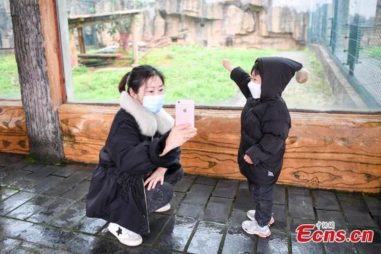 中国中部省降低冠状病毒反应水平