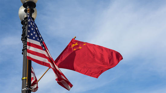 The national flags of China and the United States. (Photo/Xinhua)