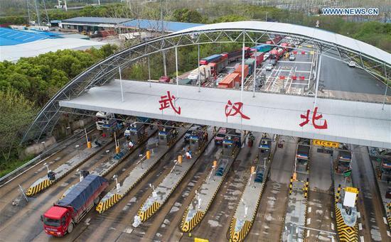 随着交通流量的增加,武汉在收费站采取了各种措施