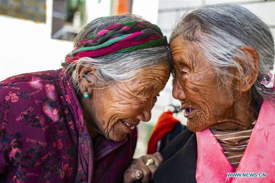 图片故事:西藏山区摆脱贫困的家庭