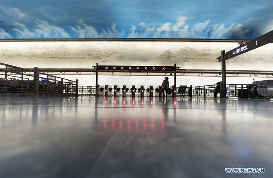 武汉暂停两个月后恢复地铁运营