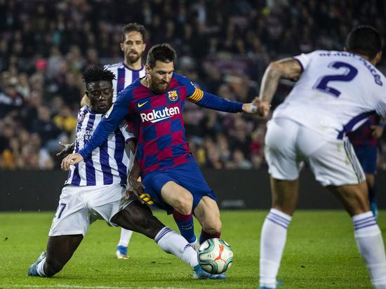 Barca president tries to calm conflict with players over pay cut