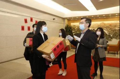 China to allocate 500,000 'health kits' to overseas students