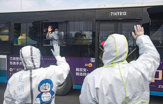 163 COVID-19 patients discharged from hospitals on Chinese mainland