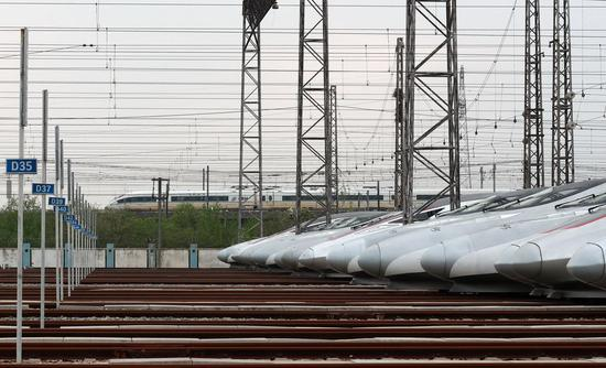 China logs highest single-day railway trips in months