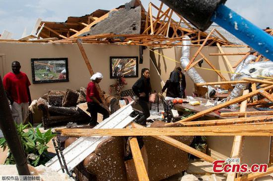 Tornadoes in U.S. south cause 'catastrophic' damage