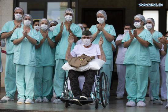 99岁的巴西第二次世界大战老兵从COVID-19中康复