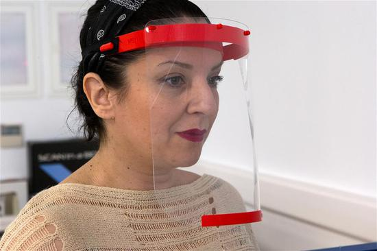 3D print face shields for medical staff on virus frontline
