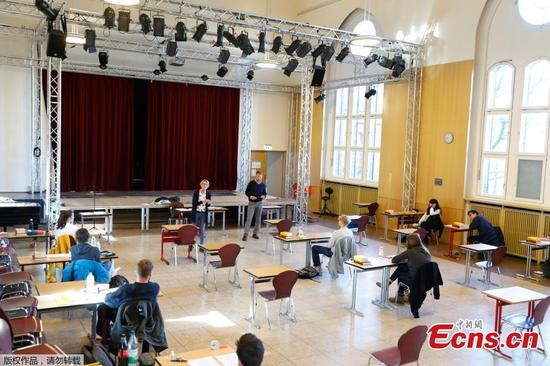Germany's senior year final exams to take place as planned