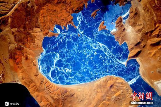 来自太空的惊人地球影像