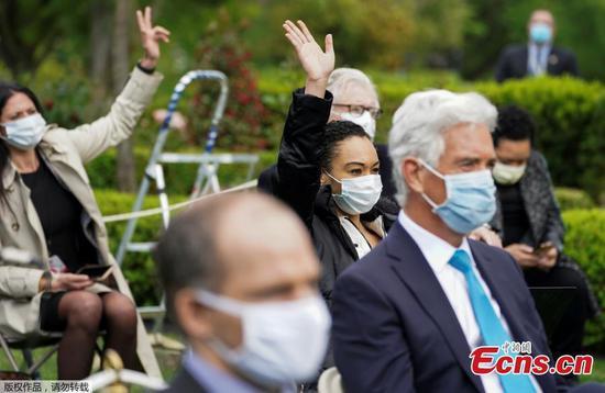 白宫要求工作人员戴口罩