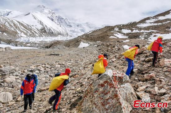 High mountains of Tibet get spring cleaning